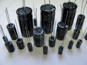 Конденсатор электролитический 6.3V/10V/16V/25V/35V/50V в ассортименте Купить